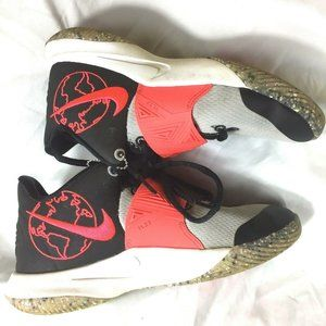 Nike Kyrie Flytrap 3 SE Basketball Shoes Youth 4.5